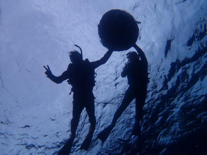 沖繩潛水 青之洞窟浮潛 中文教練