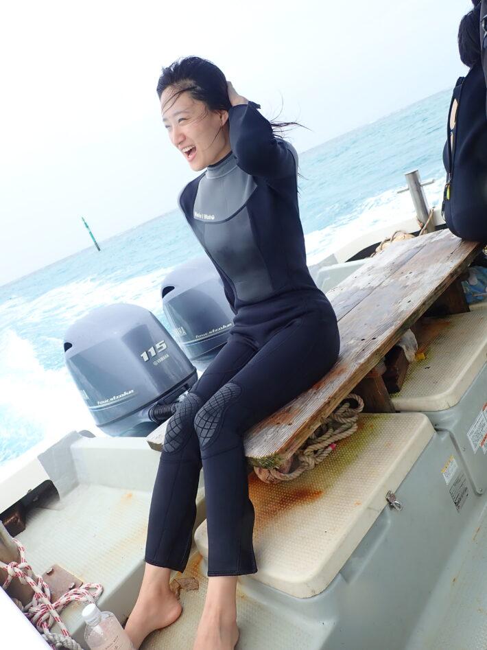 沖繩青洞 坐船浮潛 潛水