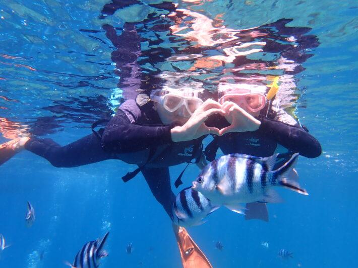 沖繩 藍洞浮潛 中文服務